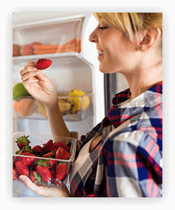 Snack opportunities can be used to improve eating habits in adults.