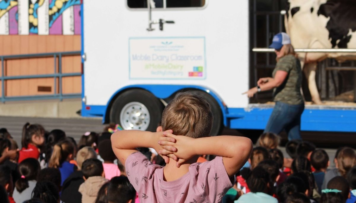 Find out what to expect when the Mobile Dairy Classroom visits your school.